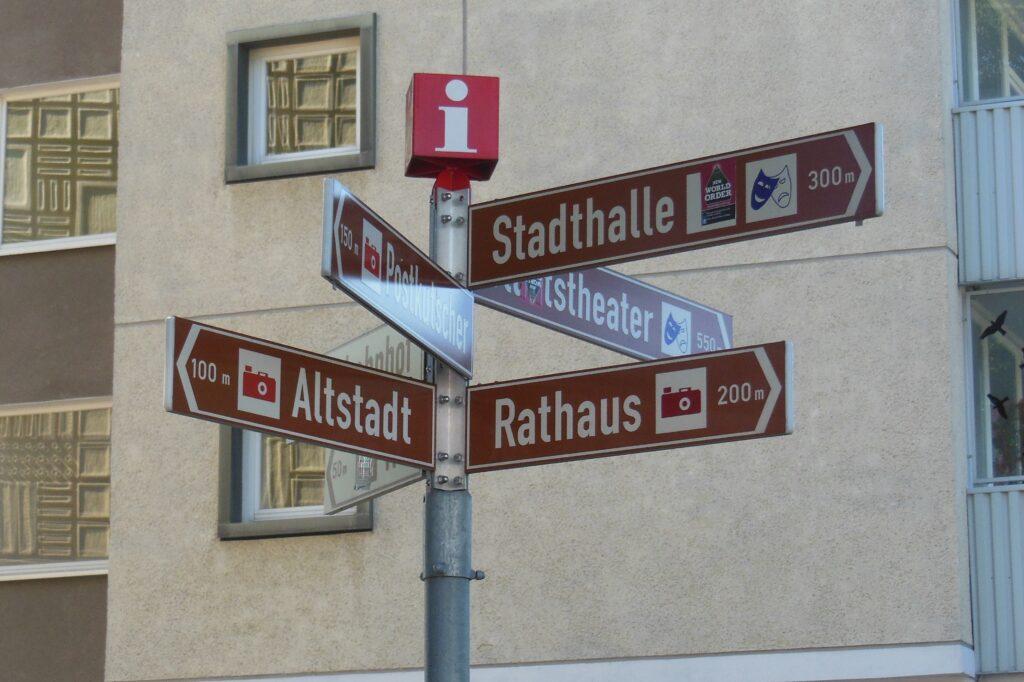Wegweiser Cottbus zum Rathaus