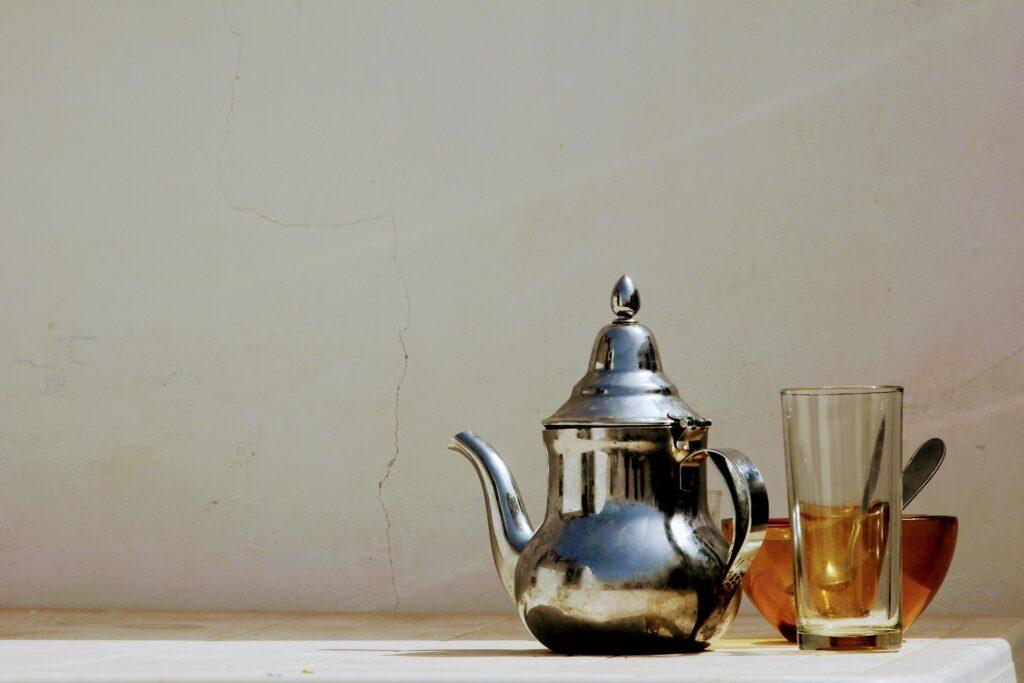 Tekanne, Glas und Tasse